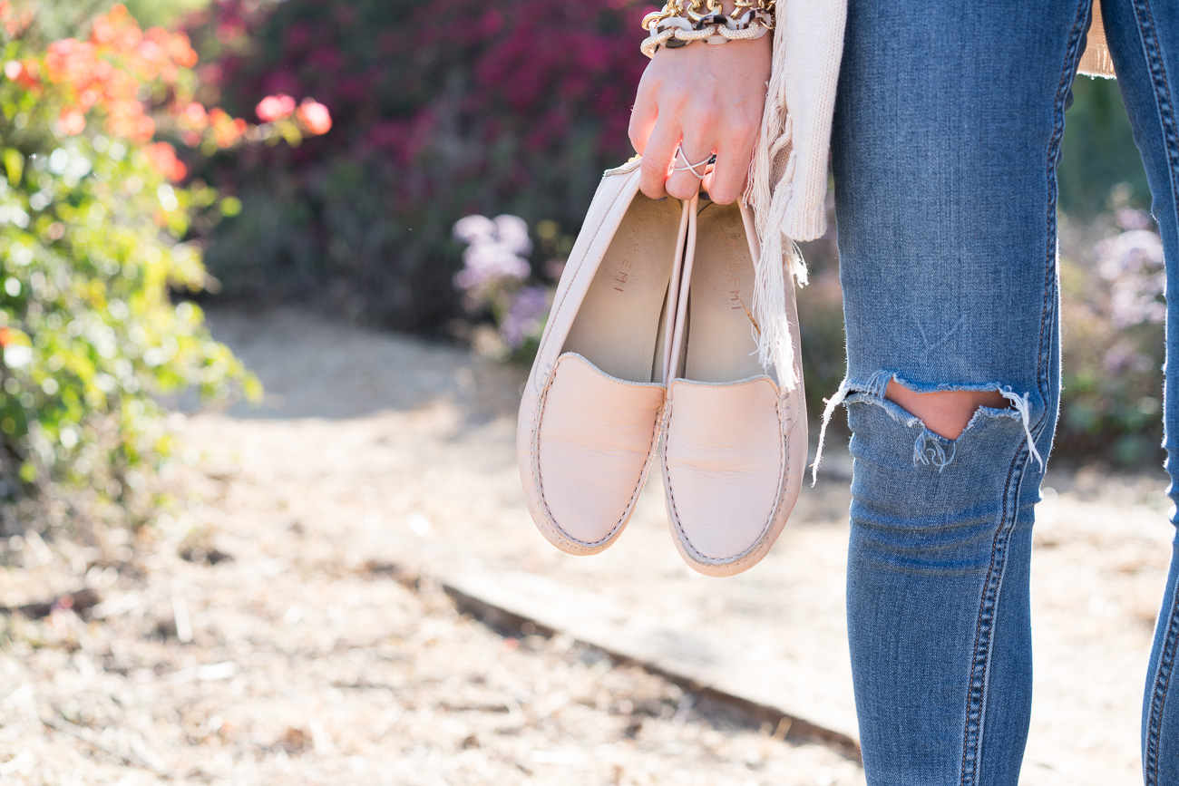 white tee shirt, fringe cardigan, free people ankle jeans and m. gemi felize flats angela lanter hello gorgeous
